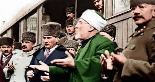 """ATATÜRK'ÜN """"İSLAM BİRLİĞİ"""" ÇABALARI"""